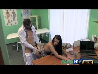 Fake Hospital Doktora Rapor Almaya Gelen Liseli Samantha Yarrağın Başını Aldı Türkçe Altyazılı 720p HD Porno izle