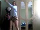танцую под песню( взлетаю улетаю )моё первое видео не судите строго