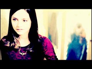 Don't be alone, Doctor. *AU* (Clara Ponds Eleven) [MVT - R2]