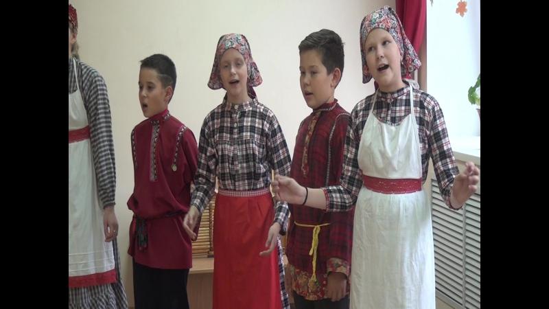 Фольклорный ансамбль Крезь куара (Звенящий напев)