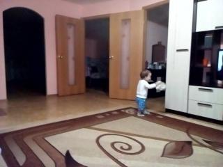 Ульяна ходит