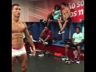 Манекен-челлендж от сборной Португалии