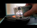 Новые британские купюры воспроизводят музыку с винилов(lord video)