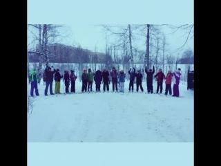 А это наши умнички, лыжники! Наш призыв - Все на лыжи в рамках ОБЯЗАТЕЛЬНОЙ школьной программы по лыжной подготовке! Законы н