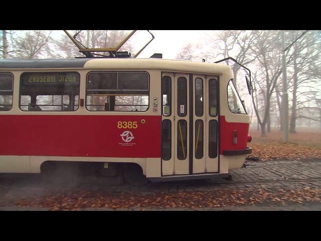 Besipky - Tramvaj a chodec