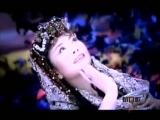 Первая леди Китая Пэн Лиюань 彭麗媛 поёт казахскую песню Карлыгаш