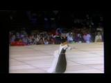 Этот стиль гавайского танца утерян!!! 1984 год - девушка просто плывет по сцене (hula ka'i)