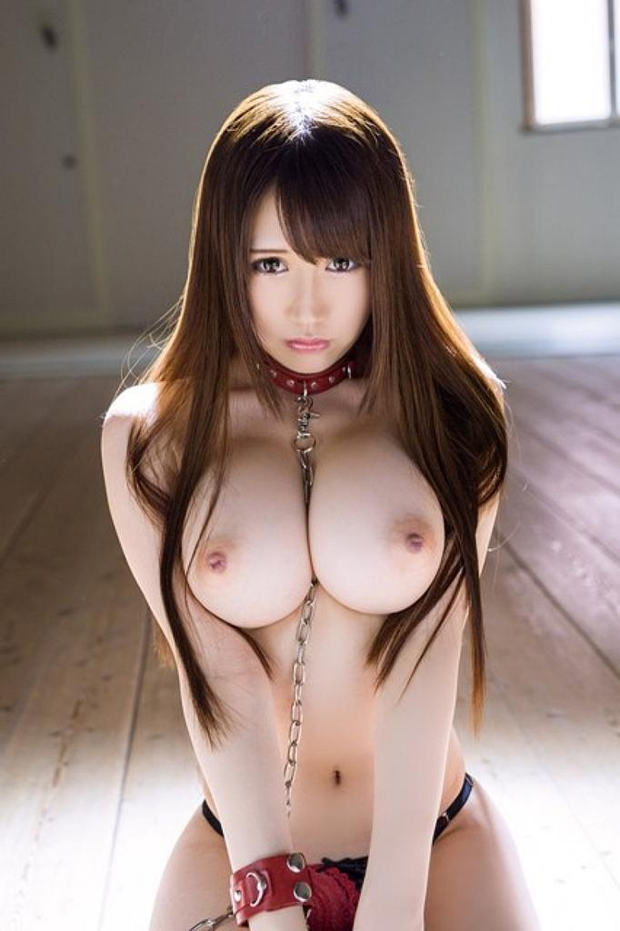 Oriental gal shows how to give proper