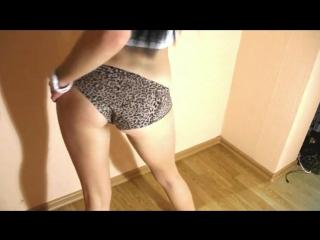 Девушка сексуально танцует Танец школьницы Порно Teen Девочка Инцест Анал Минет
