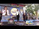 Выступление с песней Neon Lights на музыкальном фестивале от ток-шоу Good Morning America (6 июня 2014 года)