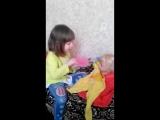 Кормим куклу