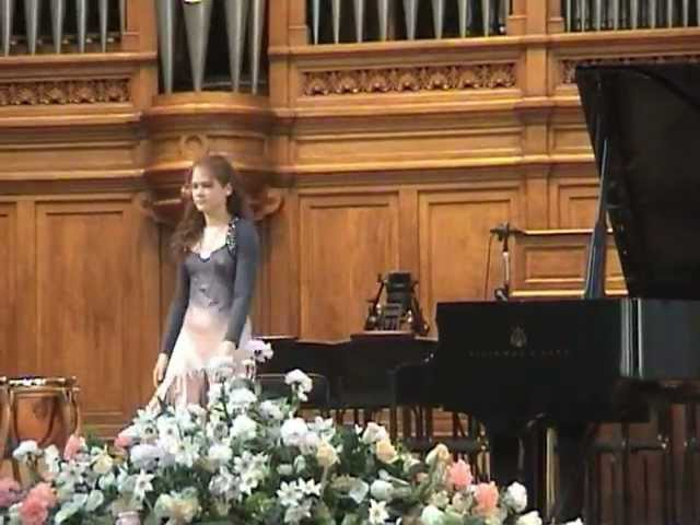 Marina Yakhlakova plays Tchaikovsky-Pletnev 4 pieces from The Nutcracker Suite
