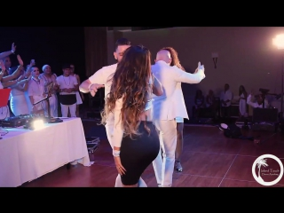 Bachata Battle - Daniel y Desiree vs Ataca y Alemana ( Grupo Extra- Me Emborracha)