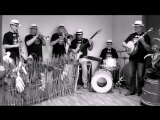 Silver Hammer Dixieland Band - тема из кф