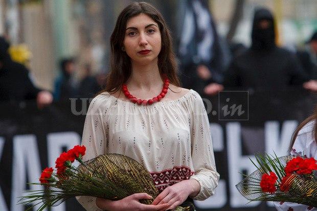Karpatszka Szics felvonulása Ungváron, képanyag: 64 kép DX7z76q4S3w