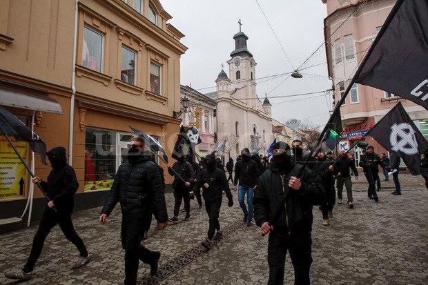 Karpatszka Szics felvonulása Ungváron, képanyag: 64 kép Sjk7v4uHnzY