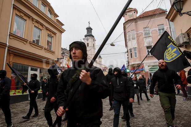 Karpatszka Szics felvonulása Ungváron, képanyag: 64 kép N0mGLMViLeo