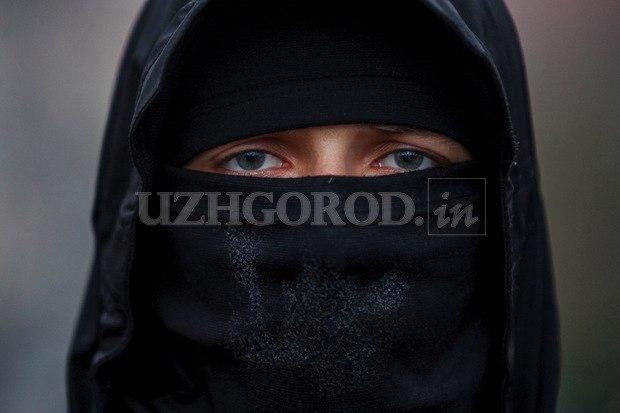 Karpatszka Szics felvonulása Ungváron, képanyag: 64 kép EdqKXVS5Aw4