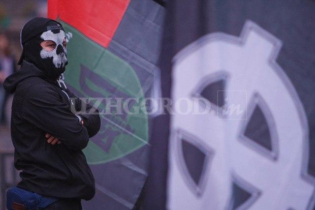 Karpatszka Szics felvonulása Ungváron, képanyag: 64 kép GOL4FIJ5JDo