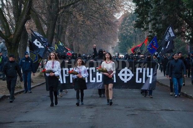 Karpatszka Szics felvonulása Ungváron, képanyag: 64 kép Ggwwt2iGTr8