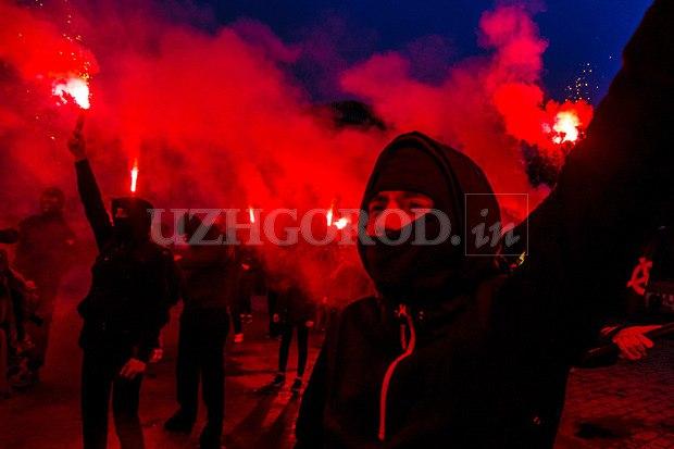 Karpatszka Szics felvonulása Ungváron, képanyag: 64 kép _FGIMJj_Os8