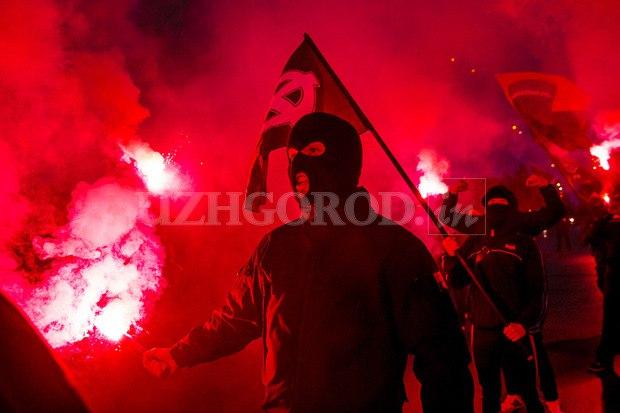 Karpatszka Szics felvonulása Ungváron, képanyag: 64 kép VVr1Vhr0gww