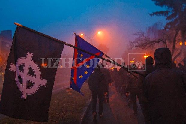 Karpatszka Szics felvonulása Ungváron, képanyag: 64 kép 8EhNi2AFGTo