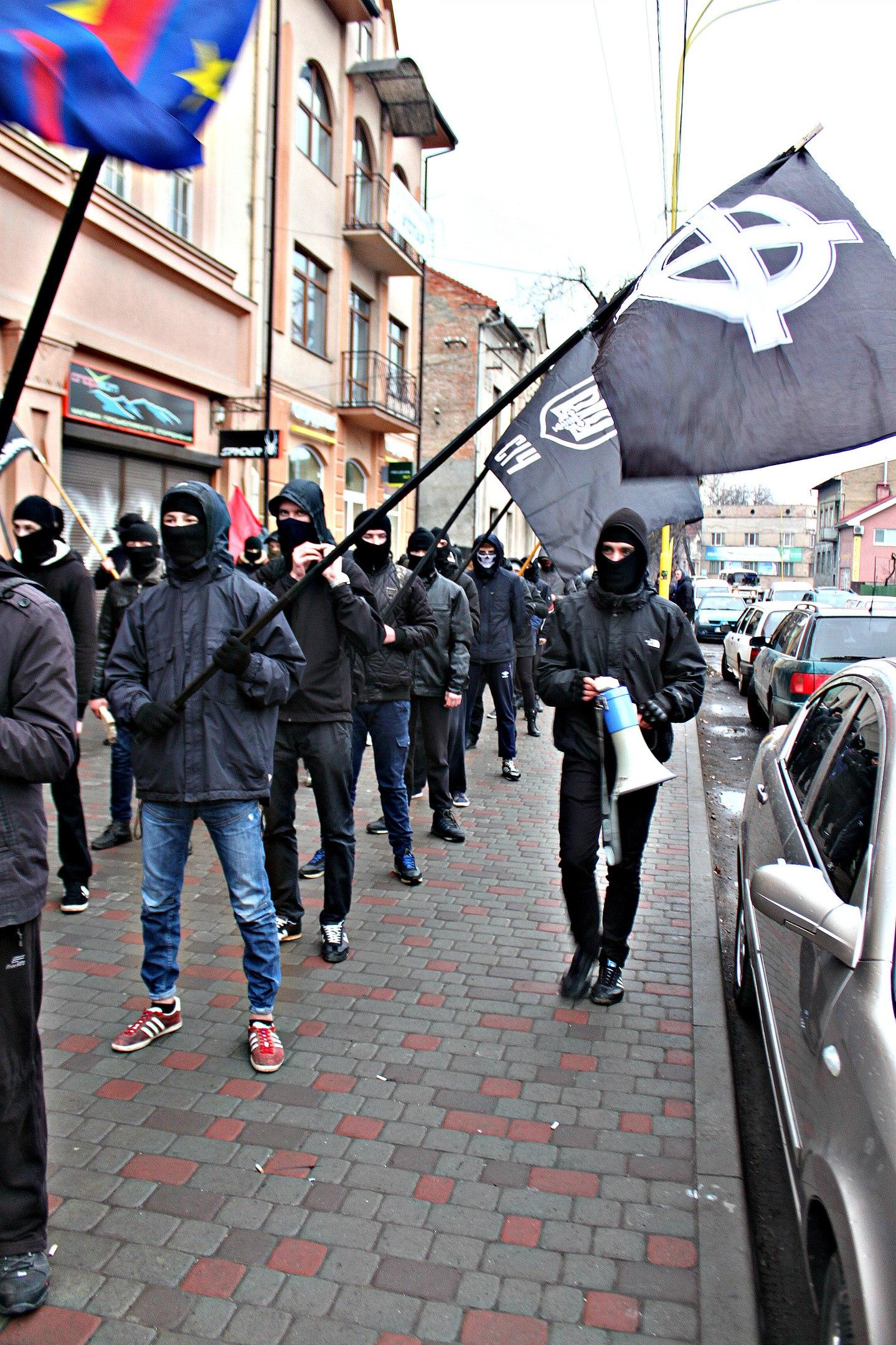 Karpatszka Szics felvonulása Ungváron, képanyag: 64 kép YBLzsEYxc4E