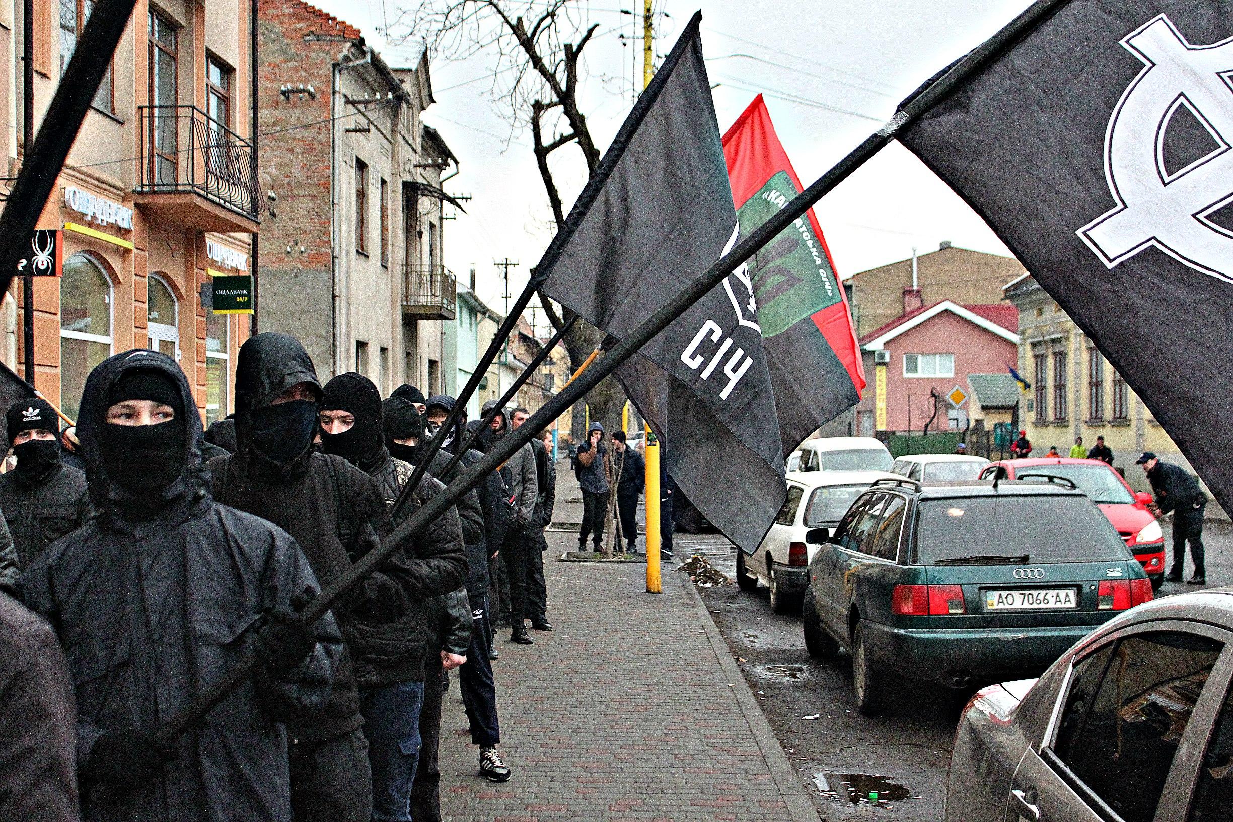 Karpatszka Szics felvonulása Ungváron, képanyag: 64 kép 0QPhEwkDV-o