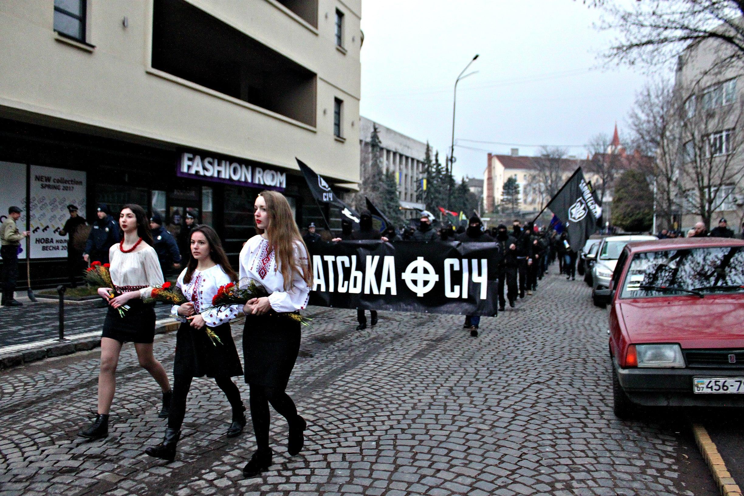 Karpatszka Szics felvonulása Ungváron, képanyag: 64 kép _u1STw35KOI