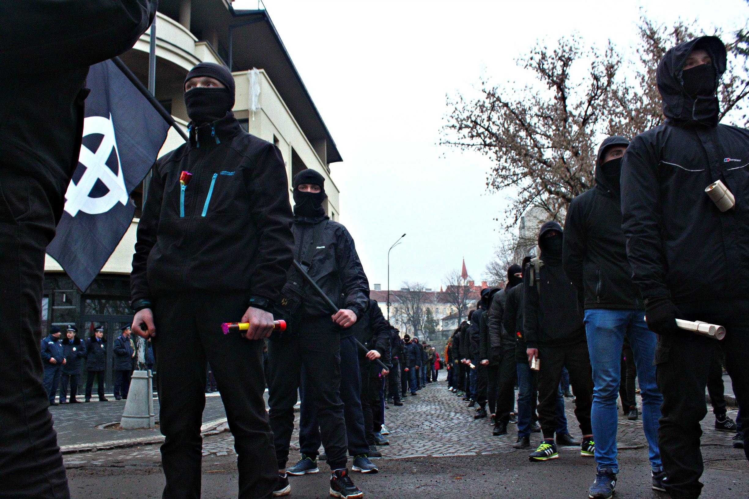 Karpatszka Szics felvonulása Ungváron, képanyag: 64 kép W2ERkw09_gw