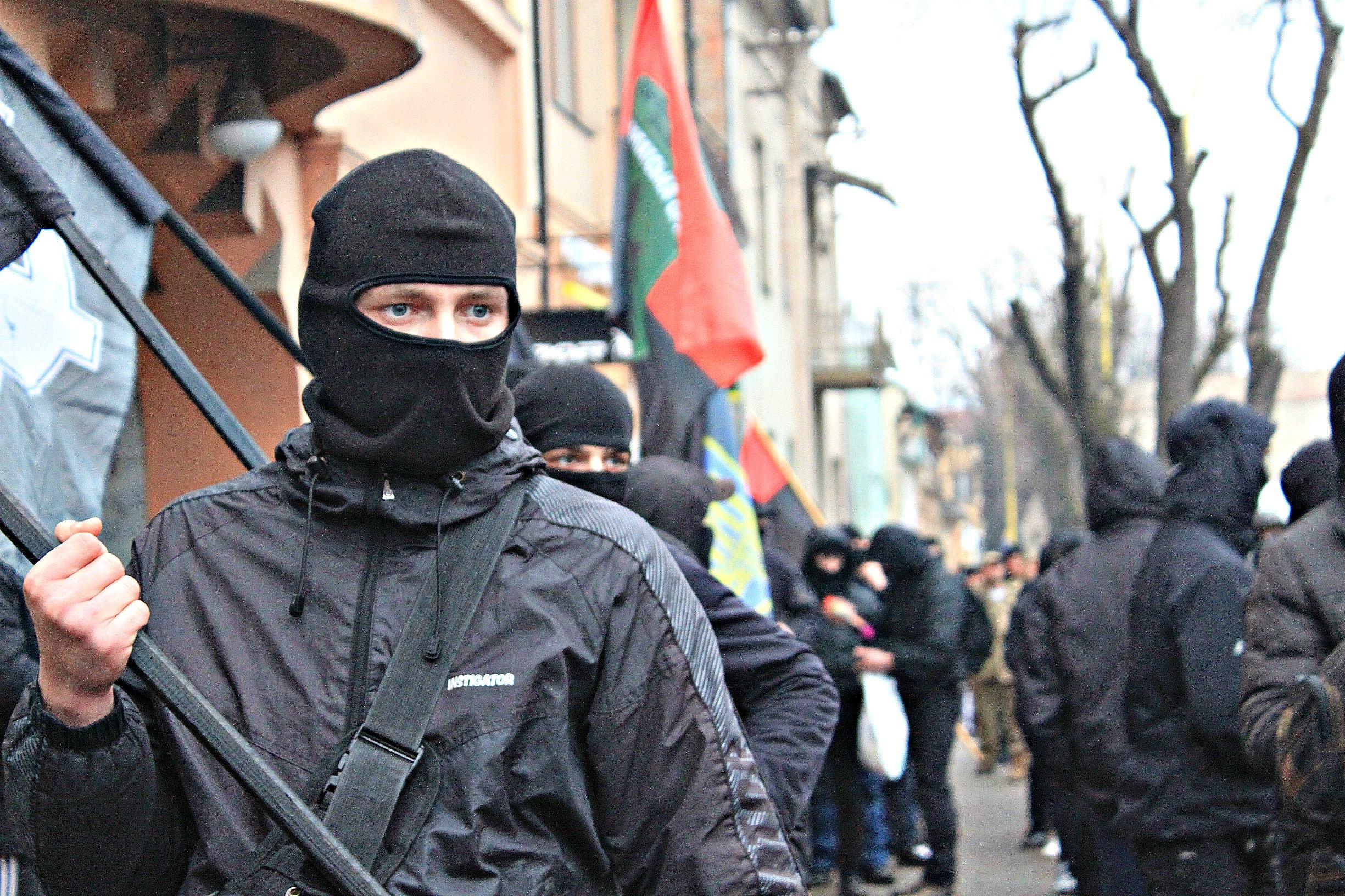 Karpatszka Szics felvonulása Ungváron, képanyag: 64 kép 2VxpxWqrflM