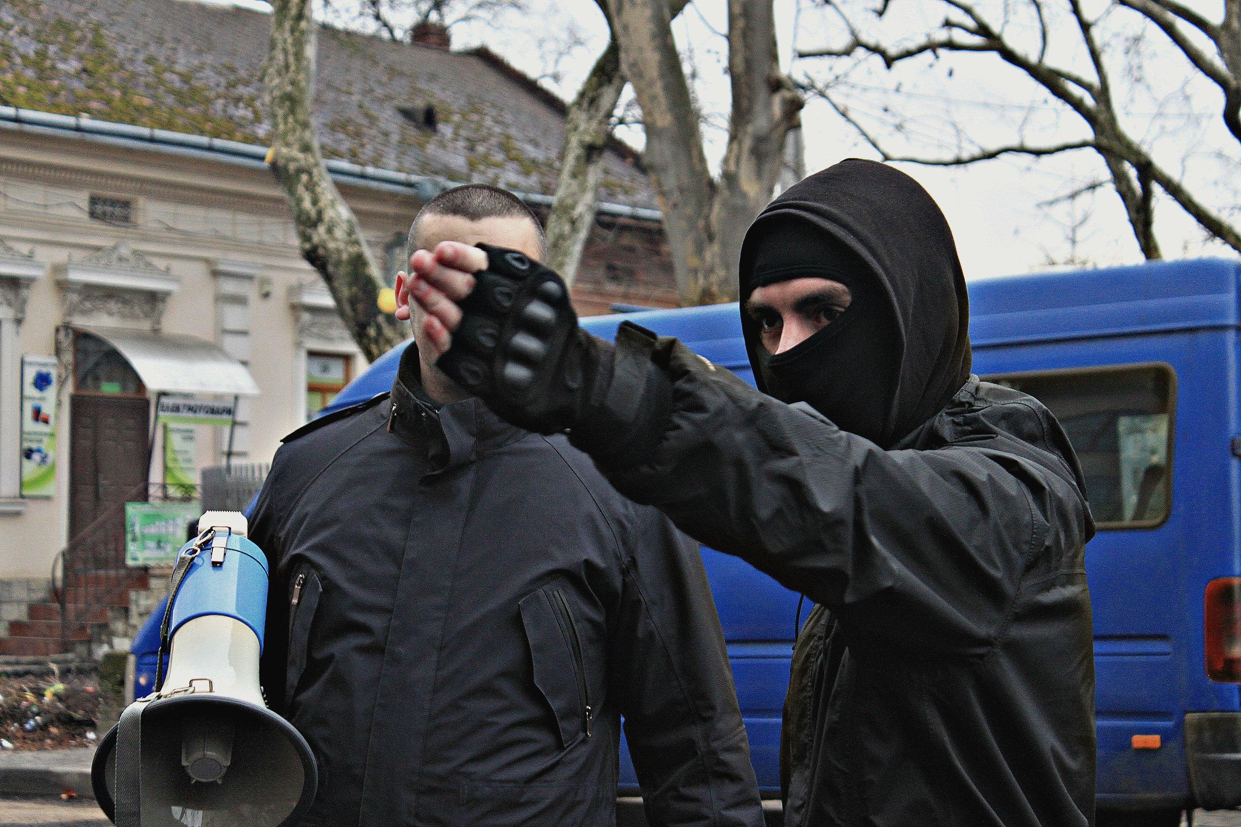 Karpatszka Szics felvonulása Ungváron, képanyag: 64 kép RB5ME73tdHA