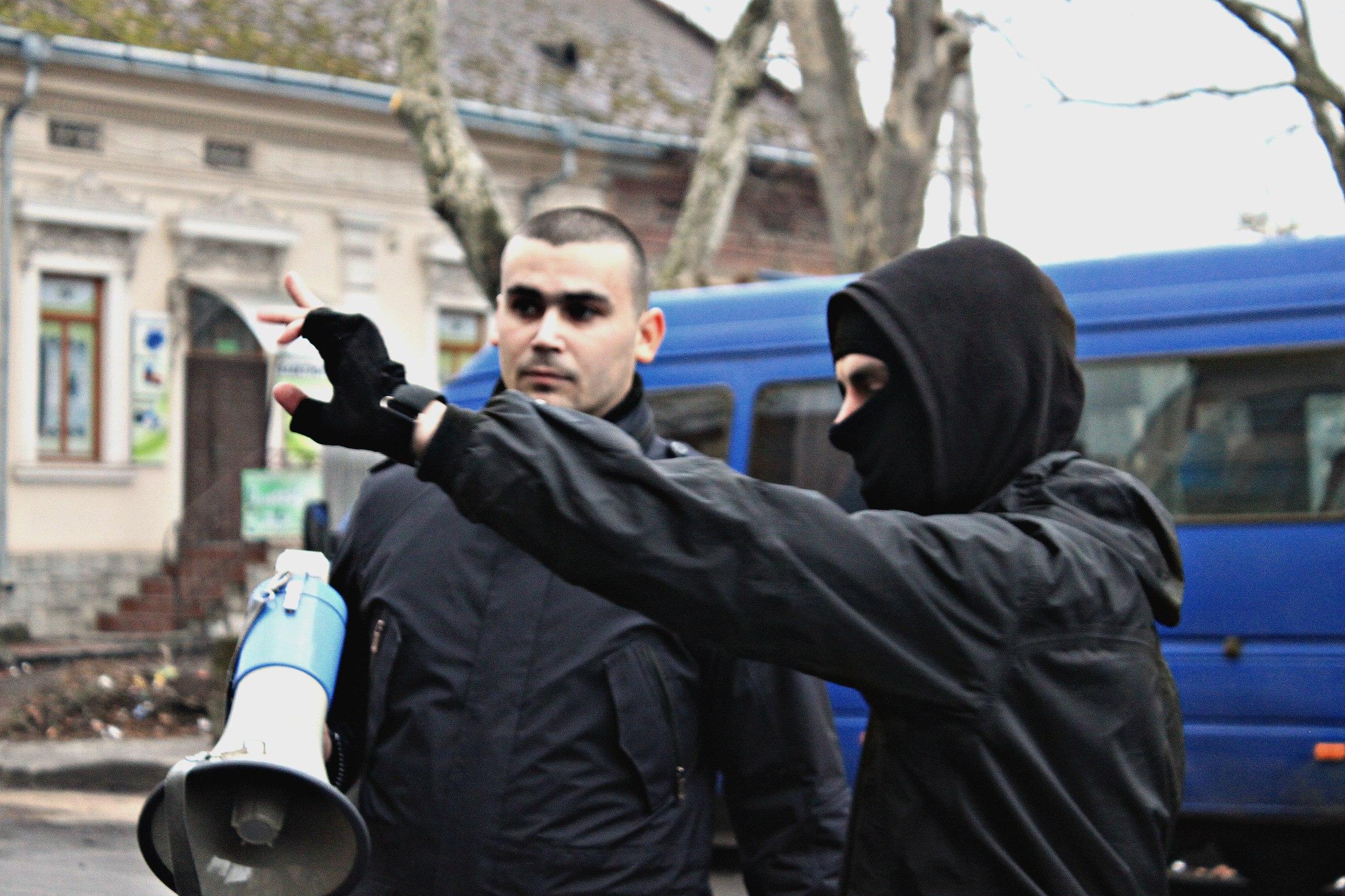 Karpatszka Szics felvonulása Ungváron, képanyag: 64 kép TRYO3-2UHfw