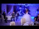 Невеста поет жениху. Подарок на свадьбу.