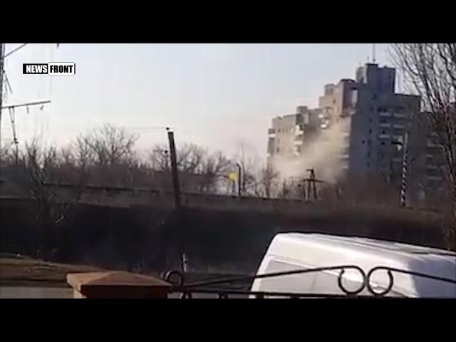 Срочно Танк ВСУ расстреливает жилую многоэтажку в Авдеевке