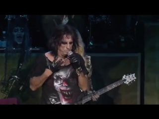 Alice Cooper Orianthi Hes Back (The Man Behind the Mask) live 2012