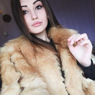 Яна Богославець