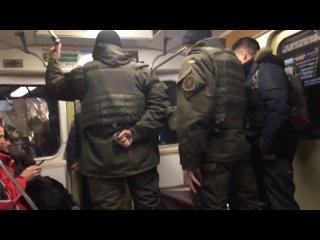 драка с ненормальным в метро, Украина , Милиция
