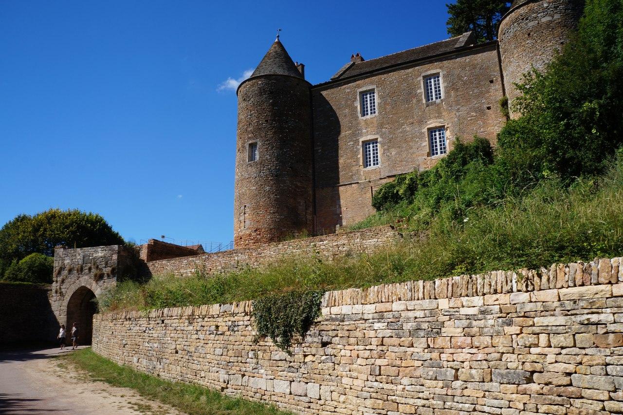 Старейший и крупнейший замок юга Бургундии - Брансион