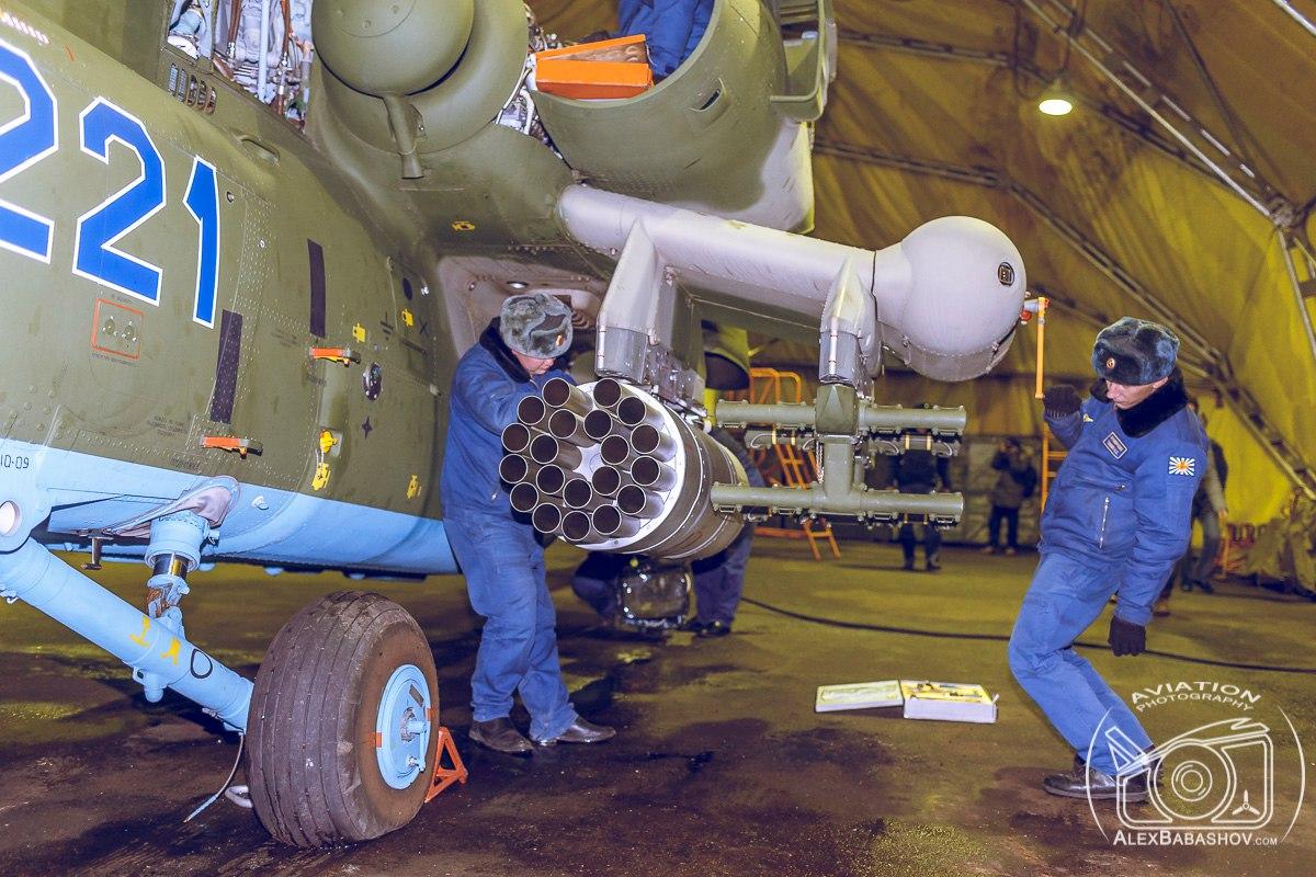 Orosz légi és kozmikus erők - Page 4 BhZ-d3-XL4E