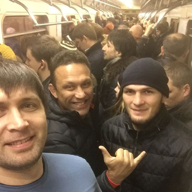 Рензо Грейси и Хабиб Нурмагомедов в московском метрополитене