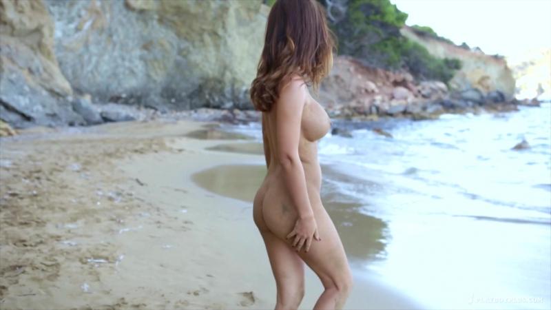 Adrienn Levai - Sandy Booty