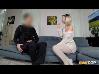 [fakecop / fakehub] vicky love (single milf seduces policeman / 2017) [all sex]