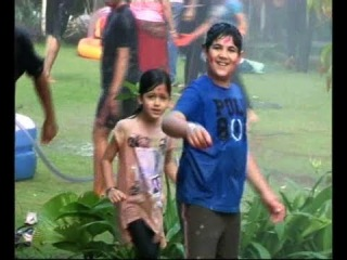 Akshay Kumar's Son Aarav Celebrates Holi