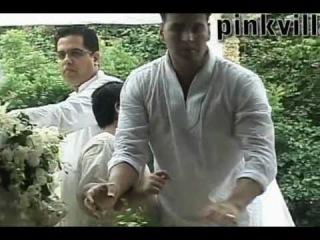 Akshay Kumar with son Aarav at Rajesh Khanna's fluneral