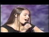Люси Хейл на American Juniors с песней