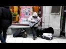 Neisamowity uliczny muzyk niesamowity glos