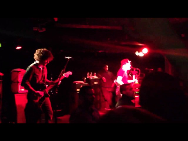 Nobody Puts Baby in the Corner (clip) - Fall Out Boy @ Camden Underworld