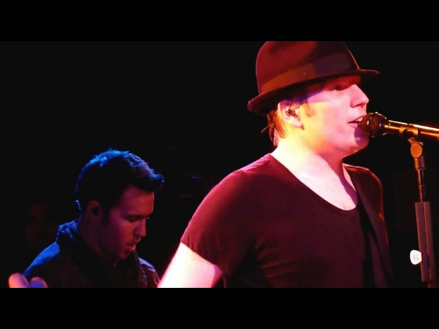 Fall Out Boy Beat It Michael Jackson cover @ the Roxy Hollywood